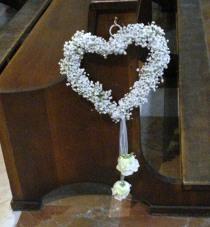 Addobbo per il matrimonio tema cuore realizzato da Debraflower