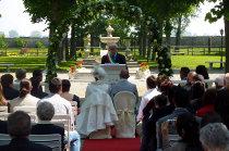 Matrimonio civile celebrato all'aperto dal Sindaco presso il Castello dei Solaro