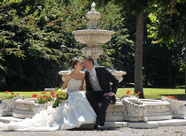 Sposi durante il servizio fotografico del matrimonio al Castello dei Solaro