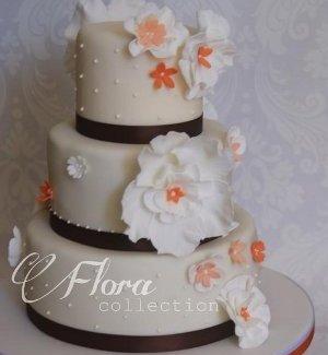 Torta nuziale bianca, nera e arancione - Qualcosa di Dolce