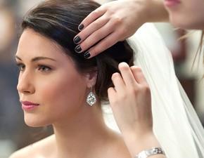 I preparativi della sposa: acconciatura