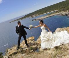Foto in riva al mare degli sposi