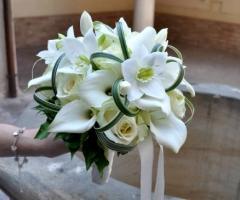 Bouquet bianco per la sposa