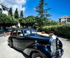 Antony Live - Noleggio Bentley MK 6