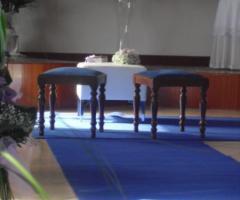 Allestimento blu per la chiesa