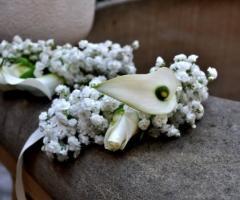 Accessori di fiori per le damigelle della sposa