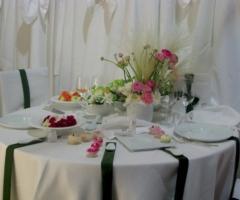 Addobbi floreali per i tavoli del matrimonio