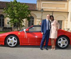 L'auto e gli sposi