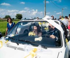 Simone Gavana Foto - Gli sposi in auto