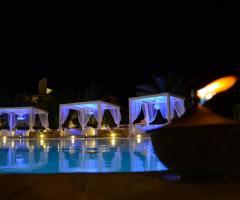 Matrimonio serale a bordo piscina