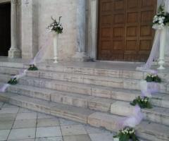 Fiori per la chiesa a Bari