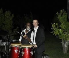 Vincenzo Sgaramella con il suo percussionista