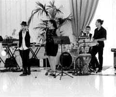Sunny Band
