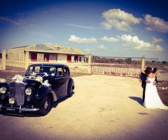 Antony Live - Noleggio Bentley MK 6 per gli sposi