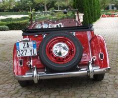 Noleggio auto d'epoca rossa