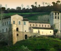Scopri la location di matrimonio del mese: Abbazia di Sant'Andrea in Flumine