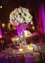 Alzata di fiori per i tavoli delle nozze