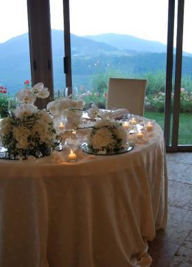 Fiori per il tavolo degli sposi