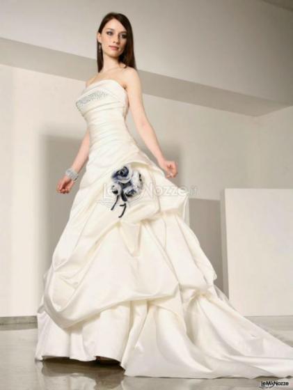87380109f271 Abiti Da Sposa Su Misura ~ Abiti da sposa su misura marika spose foto
