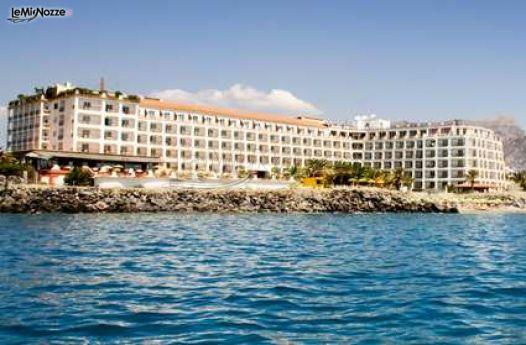 Vista frontale dell 39 esterno dell 39 hotel hilton giardini naxos foto 3 - Hotel ai giardini naxos ...