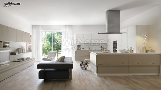 Soggiorno di design e cucina con isola - Gavillucci Arreda ...