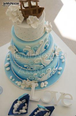 Foto 1 torte nuziali artistiche torta nuziale tema for Decorazioni torte tema mare