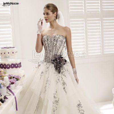 Foto 1 - Abiti da sposa colorati - Abito da sposa con decori neri ...