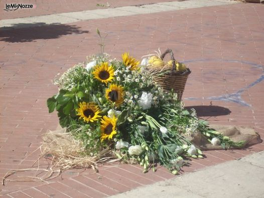 Matrimonio Spiaggia Girasoli : Foto addobbi floreali chiesa e cerimonia