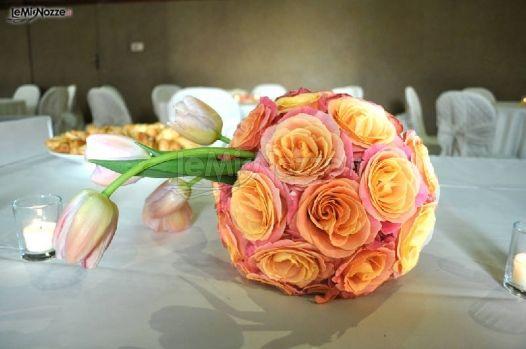 Foto 3 bouquet sposa decorazioni a sfera per i tavoli for Decorazioni tavoli matrimonio