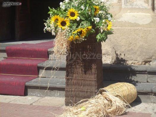 Bomboniere Girasoli Matrimonio : Composizione di girasoli all uscita della chiesa per il
