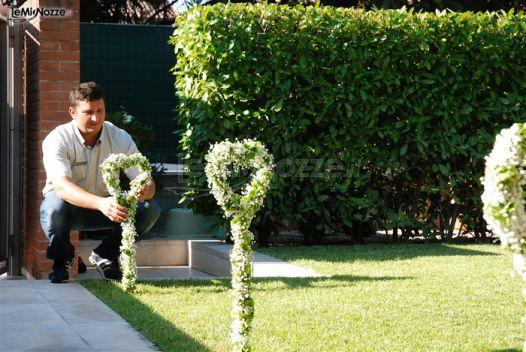 Addobbi Per Matrimonio In Giardino : Foto addobbi floreali location decorazioni con cuori
