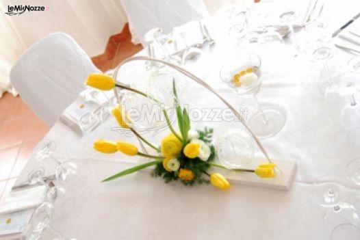 Matrimonio Tema Giallo : Foto centrotavola matrimonio centro tavola tema