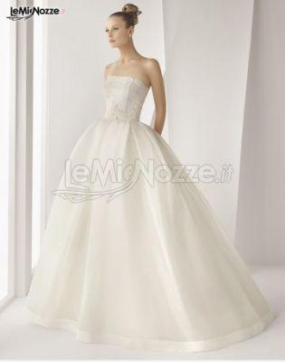 Foto 1 - Abiti da sposa classici - Vestito da sposa con gonna ampia ...