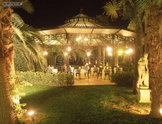 Gazebo Per Matrimonio In Giardino : Gazebo per un matrimonio serale da favola astoria palace