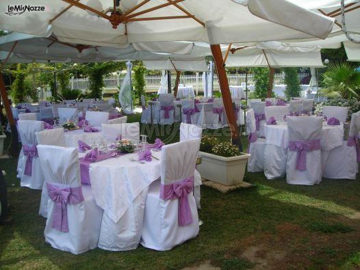 Allestimento dei tavoli per il matrimonio ristorante - Tavoli addobbati per diciottesimi ...