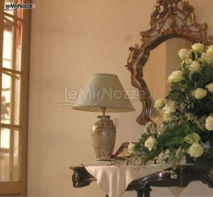 Foto 1 addobbi floreali location fiori bianchi per la casa della sposa - Addobbi floreali casa sposa ...