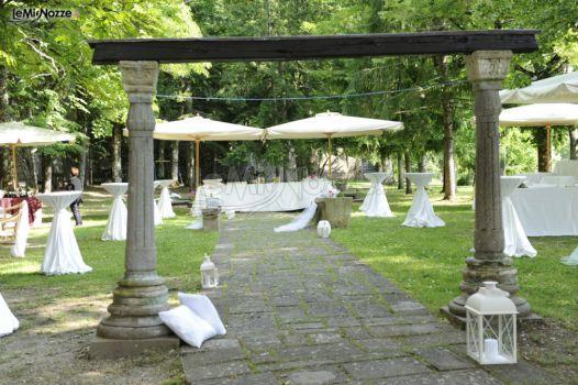 Matrimonio In Giardino : Matrimonio in giardino castello di valenzano foto