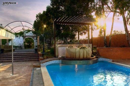 Villa cinghiale tavolo degli sposi per il ricevimento di for Addobbi piscina per matrimonio