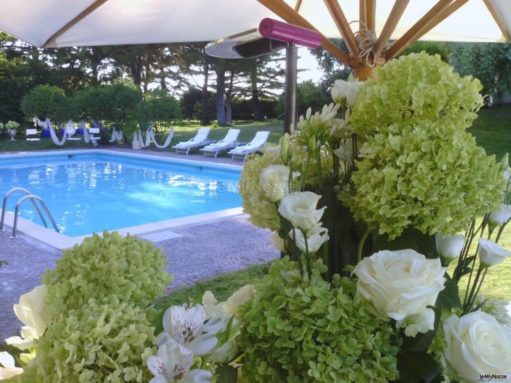 Villa carola villa matrimonio verona for Addobbi piscina per matrimonio