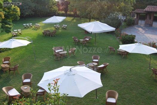 Allestimento tavolo del buffet bed mattress sale for Allestimento giardino matrimonio