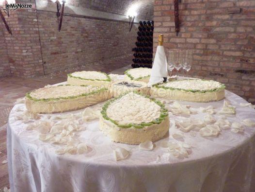 Torta nuziale per 40 persone migliore collezione for Piani a forma di l per piccoli lotti