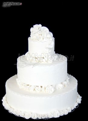 ... Torte nuziali artistiche - Torta nuziale bianca - LeMieNozze.it
