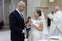 Lo scambio degli anelli tra gli sposi - Foto Marcello Melis in stile reportage