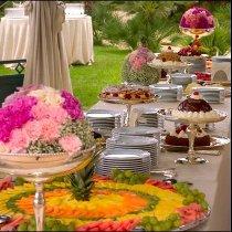 Buffet di nozze multicolor curato da Masolino Creative Banqueting