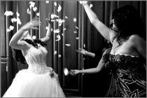 Foto della sposa con le damigelle di Video Studio Roberto Marchionne