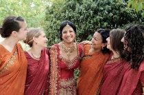 Sposa indiana con le damigelle - Foto di Nabis Foto