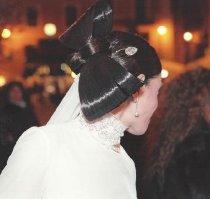 Acconciatura a fiocco per la sposa realizzata da Sandra di My Wedding Mirror