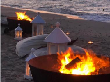 matrimonio spiaggia lanterne
