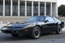 Kitt, la famosa macchina del telefilm Supercar, è ora disponibile a noleggio per gli sposi