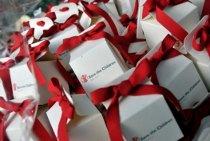 Scatoline portaconfetti con fiocco rosso Save the Children
